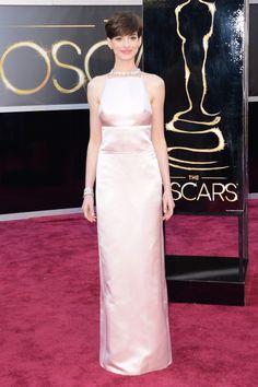 La directora de Vogue elige las mas elegantes de los Oscar 2013: Anne Hathaway