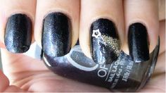 Shooting Star  http://sparklysharpandfabulous.blogspot.com/2012/08/shooting-star-nail-art-with-microcaviar.html