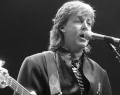 Paul McCartney visits New York City and plays Madison Square Garden for the first time in 13 years in That same year he released his album 'Flowers in the Dirt. Paul Mccartney, Wings Band, Visit New York City, Sir Paul, American Walnut, Living Legends, Is 11, Looking Back, The Beatles