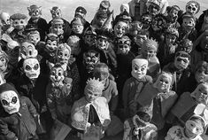 halloween photographs of trick or treaters -/ There are a few face here I remember !  Halloween was fun back then !
