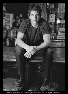 Kevin O'Donnell from Coyote Ugly - works a bunch of random jobs all the time, is creative, confident, witty, independent and genuinely believes in people. The movie wasn't that good, but his character was.