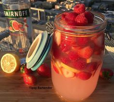 Watch us make the Hippie Juice: https://youtu.be/xU1axkwemOI  HIPPIE JUICE 4 1/2 oz (135ml) Watermelon Vodka  3 oz (90ml) Triple Sec 3 oz (90ml) Coconut Rum Pink Lemonade Lemon Slices Strawberry Slices Raspberries  Videos: www.youtube.com/TipsyBartender Pictures: www.Instagram.com/TipsyBartender  #drinkporn #cocktail #foodporn #liquor #alcohol #booze #club #bar #drink #mixology #yummy #amazing #dessert #instagood #watermelonvodka #pinklemonade #malibu #berries