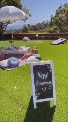 Fun idea for celebrating your anniversary date or birthday at home! Anniversary Dinner, Anniversary Dates, Anniversary Celebration Ideas, Anniversary Surprise For Him, Picnic Party Decorations, Backyard Picnic, Indoor Picnic Date, Outdoor Dinner Parties, Picnic Parties