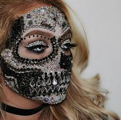 52 Gorgeous Skull Makeup Ideas to Try This Halloween # Cool Halloween Makeup, Scary Halloween Costumes, Halloween Looks, Skeleton Makeup, Skeleton Girl, Monster Makeup, Fantasy Make Up, Sugar Skull Makeup, Sugar Skulls