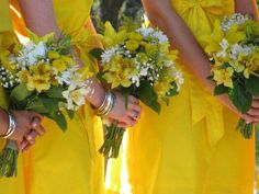 Yellow bridesmaids.  #country #wedding #yellow #lemon
