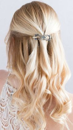 A Wise Woman Builds Her Home: Braided Feminine Hairstyle Tutorials *PLUS* Lilla Rose Weekend Sale!