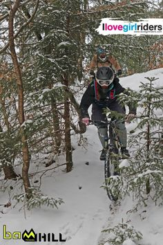 FlockenFee enjoying the Powderdays » Rider: Steffi Kepp - Photo: Bam Hill #ilovegirlriders #iamagirlrider #ilgr #girlriders #mtb #xc #downhill #cycling #cyclingwomen #womenscycling #snow