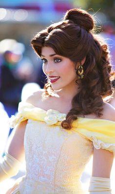 Beauty and the Beast // Belle // Disneyland Disney World Princess, Disney Princess Makeup, Disney Princess Cosplay, Disneyland Princess, Princess Face, Disney Princess Party, Disney Cosplay, Disney Costumes, Princess Belle Hair