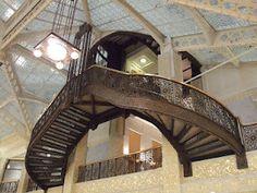 The Rookery, Chicago. Architects Daniel Burnham & John Wellborn Root (1888), lobby redesign by Frank Lloyd Wright (1905)