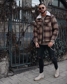 Style by @fio_11_ Yes or no? Follow @mensfashion_guide for dope fashion posts! #mensguides #mensfashion_guide