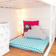 北欧のおしゃれなインテリアショップIKEA(イケア)。大きな家具もびっくりするくらいのお値段で安く買えてしまうので、重宝している人も多いはず。中でもシンプルなリバーシブルベッド『KURA』は、子供部屋のベッドとして大人気!シンプルなのでDIYしやすく、用途や子供の性格に合った家具を手作りできるんですよ。二段ベッドにもなるので兄弟2人の子供部屋におすすめのインテリアです。ぜひリメイクしてみて下さい。   ページ1