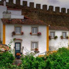 É uma casa portuguesa, com certeza...     Óbidos     Manuel Ribeiro