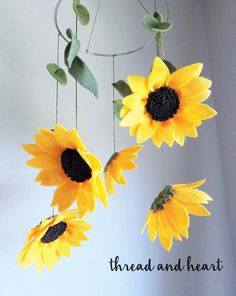 Check out these amazing handcrafted flower felt mobiles for your baby's nursery! #Nursery #Baby #BabyShower #Gift #Flower