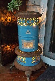 repurposed oil burner light, outdoor living, repurposing upcycling, seasonal holiday decor