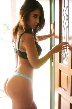 PERFECT SPORTY ASS of sexy tattooed Instagram & #Fitness model Tianna Gregory : Health, Exercise & #Fitspiration - the best #Inspirational & #Motivational Pins by: http://cagecult.com/mma