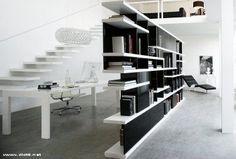 Charlotte libreria bifacciale autoportante laccata bianca e nera