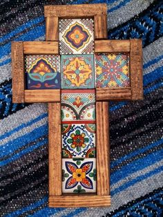 """The tiles aren't always a """"perfect"""" fit giving it a beautiful rugged look. Wall Crosses Diy, Mosaic Crosses, Wooden Crosses, Crosses Decor, Decorative Crosses, Old Rugged Cross, Talavera Pottery, Cross Art, Cross Crafts"""