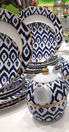 LOVE this ikat print dish set rstyle. Ikat Print, Dish Sets, Dinner Sets, Decoration Table, My Dream Home, Home Kitchens, Home Accessories, Tea Pots, Home Goods
