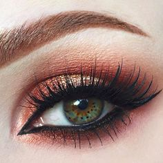 EOTD!  Using @bennyemakeup Lumiere Luxe powder in Indian Copper, Copperplate shadow from @zoevacosmetics Mixed Metals palette, @makeupgeekcosmetics Shadows in Bitten and Peach Smoothie and @maccosmetics Reflects Gold.  Lashes are @houseoflashes in Noir Fairy, Brows are @anastasiabeverlyhills Dipbrow in Auburn and liner is @tartecosmetics Tarteist Clay Paint Liner ✌️ Are you proud @zeemakeupartist , I did your little point