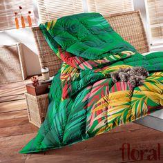 Estampa Floral aplicada em colcha para um quarto mais aconchegante. Por Estúdio Lab.ART