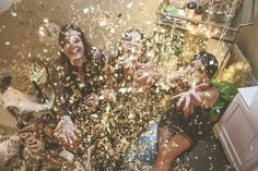 A Glitzy New Years Eve Party: HOORAY! magazine | Photography by Kristina Lee Photography