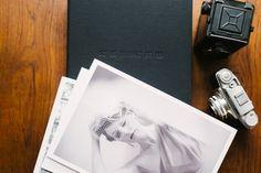 WEDDING ALBUMS; Fest aufkaschierte Drucke eignen sich perfekt als Geschenk... oder auch zum behalten ;) belle & sass Hochzeitsfotografie aus Wien Documentaries, Thoughts, Projects, Wedding, Prints, Wedding Photography, Getting Married, Gift, Log Projects