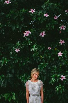 Chic Jenny Packham Wedding Dress | Chic outdoor city wedding by Through The Woods We Ran | www.onefabday.com
