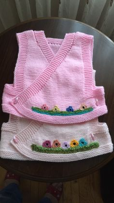 💓🚫 Shares are for idea purposes products do not belong to me no … - Kindermode Ideen Knitting For Kids, Knitting Socks, Free Knitting, Knitted Hats, Crochet Dolls Free Patterns, Kids Patterns, Baby Knitting Patterns, Baby Pullover, Cross Stitch Baby