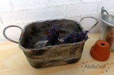 Miniature basin