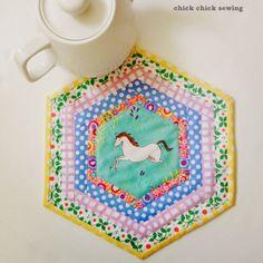 chick chick sewing: Hexagon Log Cabin Placemat ♪六角形(ヘクサゴン)のログキャビンでミニマット完成♪