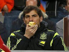 An apple day keeps the goals away well done Saint Iker