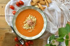 This easy porra recipe from Antequera is sneaking in while we still have summer in Spain. Like gazpacho and salmorejo, it is a chilled tomato soup and there are a million variations. This is a simple one. Personally I prefer this because it has a bit more depth. Enjoy!