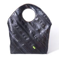 Krejci: Handbag from bicycle inner tubes