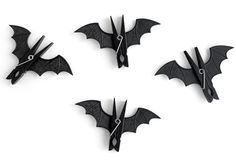 37 Wacky & Rare Bat Shaped Halloween Crafts for Kids Clips with Felt Bat Craft Bricolage Halloween, Diy Halloween, Theme Halloween, Manualidades Halloween, Halloween Crafts For Kids, Holidays Halloween, Fall Crafts, Holiday Crafts, Happy Halloween