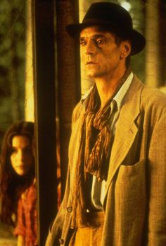jeremy-irons-stealing-beauty-000015.jpg Click image to close this window