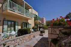 #Greece #Crete Doctor On Call, Heraklion, Beach Hotels, Greek Islands, Crete, Mansions, House Styles, Building, Wi Fi