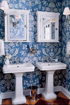 15. There's nothing more classic than blue and white.  - CountryLiving.com