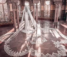 Galia Lahav Haute Couture Spring 2018 Bridal Collection Campaign - The Wedding Notebook magazine Bridal Veils And Headpieces, Wedding Veils, Bridal Gowns, Wedding Bride, Wedding Hair, Bridal Hair, 2018 Wedding Dresses Trends, Top Wedding Dress Designers, Bridal Fashion Week