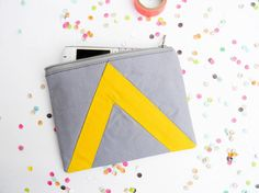Small zipper pouch 47X6 geometry triangle in grey by Pamplemouss, €15.00