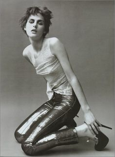 Stella Tennant Vogue Italia March 2011 by Paolo Roversi Look Rock, 90s Models, Female Models, Dandy, 90s Fashion, Fashion Models, Fashion Images, Fashion Killa, Androgynous Models