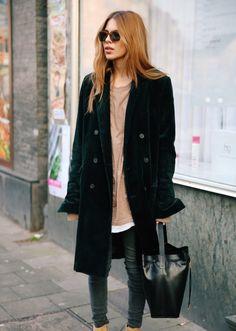 Maja Wyh- velvet and camel. Edgy Style, Her Style, Maja Why, Look Fashion, Winter Fashion, Womens Fashion, Glam Look, Streetwear, Blazer