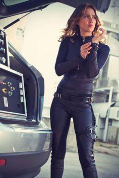 Jessica Alba Spy Kids 4 Promo Stills 2011 Spy Kids 4, Spy Outfit, Spy Girl, Pop Culture Halloween Costume, Mode Inspiration, Costumes For Women, Leather Pants, Girl Outfits, Celebs