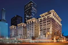 Metro 417 is a true Los Angeles apartment original. The former Subway Terminal building, now a National Landmark, houses elegant apartments in the heart of Downtown LA.