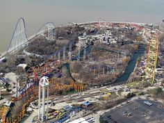 Best roller coaster park in America - Cedar Point in Sandusky, Ohio on Lake Erie. Roller Coaster Park, Best Roller Coasters, Vacation Places, Vacation Trips, Summer Vacations, Cedar Point Ohio, Sandusky Ohio, Fair Rides, Riders On The Storm