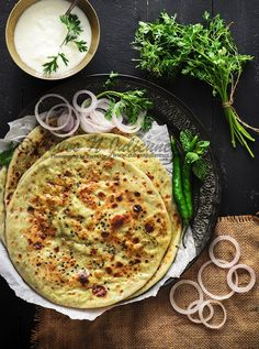 Paneer Matar Kulcha #kulcha #Paneer #matar #greenpeas #stuffed #bread #indian #cottagecheese #foodphotography #foodstyling