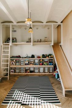 Aquí puedes encontrar fotos con ideas de diseño de interiores. ¡Inspírate! Boy's bedroom ideas and decor inspiration; from kids to teens #tween #toddler #teenagers #sports #diy #cars #rustic #KidsBedroomIdeas #BoysBedroomIdeas #BedroomIdeas #SmallBedroomIdeas #GirlsBedroomIdeas #Cute #Boys #Girls #Kids