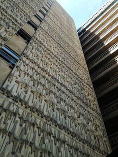 #johannesburg #architecture Skyscraper, Multi Story Building, Architecture, Wood, Photos, Life, Arquitetura, Skyscrapers, Pictures