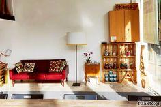 Υλικό: Υγρό γυαλί. Τύποι, χρωματισμός και εφαρμογή - Ftiaxto.gr Macrame Bag, Liquor Cabinet, Couch, Storage, Furniture, Home Decor, Purse Storage, Settee, Decoration Home