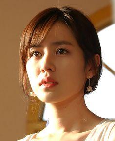 Korean Actress- Son YeJin (손예진) Girl Celebrities, Korean Celebrities, Beautiful Asian Girls, Most Beautiful Women, Korean Beauty, Asian Beauty, Korean Star, Korean Actresses, Pretty Face