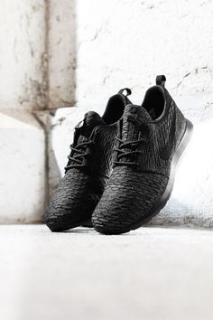 "Nike Flyknit Roshe Run NM ""Black, Anthracite & Dark Grey"""